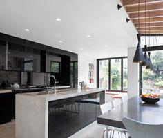 Casa de la Torre de Libros / Platform Studio 5 Architects #arquitectura http://noticias.arq.com.mx/Detalles/14489.html