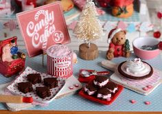 Miniature Christmas Peppermint Pie and Ice por CuteinMiniature