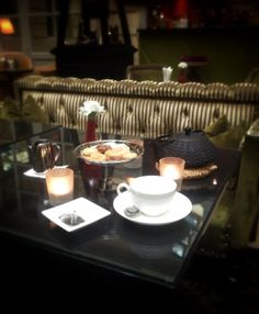 Le Tea-Time au bar du Grand Hôtel, un instant plus qu'ordinaire... #tea   #teatime   #ghbordeaux   #bar   #drink   #luxury   #hotel