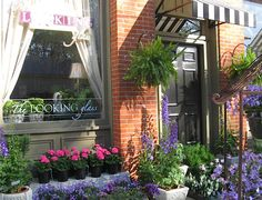 The Looking Glass is a small garden boutique tucked into the historic village of Waynesville, Ohio.