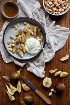 Yummy Supper: figs, greek yogurt, and almonds
