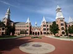 20 Beautiful Photos of the Baylor Campus ***inspiration for Legends University** # baylor university 20 Beautiful Photos of the Baylor Campus College Years, College Campus, College Life, College Football, Baylor University, Best University, Photo Window, Dream School, College Planning