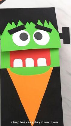 Manualidades Halloween, Halloween Crafts For Toddlers, Christmas Crafts For Kids To Make, Halloween Bags, Toddler Crafts, Halloween Cookies, Preschool Kindergarten, Preschool Crafts, Frankenstein Craft