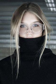 turtleneck & round eyeglasses #style #fashion #accessories