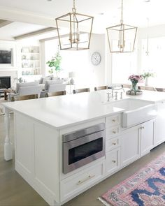 So with the short week I sorta forget today was our cleaning crew day! So of course last night I was scrambling to get crap up off the… Kitchen Island Oven, Modern Kitchen Island, Kitchen Nook, New Kitchen, Kitchen Decor, Large Kitchen Island Designs, Sink In Island, Kitchen Trends, Kitchen Ideas