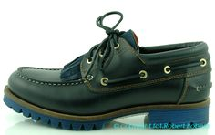 Boat Shoes, Model, Fashion, Fashion Styles, Moccasins, Fashion Illustrations, Sperry Boat Shoes, Moda