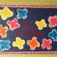 Celebrate the Fourth of July with some crafty display boards that teach our kids the significance of this day. Here are some July Bulletin Board ideas. Toddler Bulletin Boards, Summer Bulletin Boards, Toddler Classroom, Classroom Bulletin Boards, Classroom Crafts, Classroom Fun, Infant Classroom Ideas, Classroom Borders, Preschool Projects