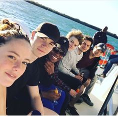 """Ahead of """"Maze Runner: The Death Cure,"""" stars Dylan O'Brien, Kaya Scodelario, Dexter Darden, and Thomas Brodie-Sangster sat down for one last goodbye. Maze Runner 2, Maze Runner Funny, Maze Runner Trilogy, Maze Runner Thomas, Maze Runner Movie, Maze Runner Series, Thomas Brodie Sangster, James Dashner, The Scorch Trials"""