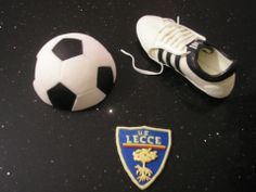 Palla, scarpa calcio e stemma per mio marito tifoso del Lecce in pdz