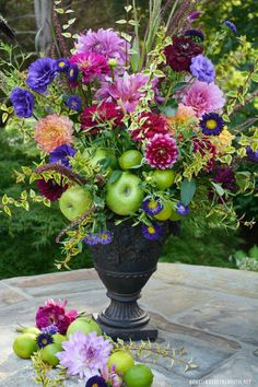 I gathered some flowers and floral arranging tips from the archives for a little flower therapy! I like to pick up flowers at the Farmers Market in the summer for a flower fix. Cut Flowers, Fresh Flowers, Silk Flowers, Beautiful Flowers, Flowers Garden, Purple Flowers, Beach Wedding Flowers, Wedding Flower Arrangements, Floral Arrangements