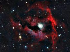 La nebulosa Manubrio  e la capsula dei pionieri