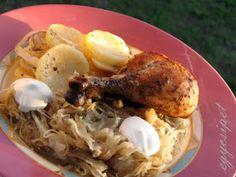 egycsipet: Savanyú káposztával rakott csirke Meat Recipes, Food, Decor, Decoration, Essen, Meals, Decorating, Yemek, Eten