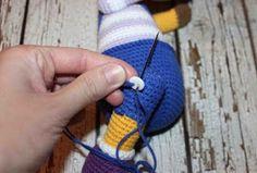 This free amigurumi pattern will help you to create a crochet toy with cute amigurumi details. Crochet Toys Patterns, Stuffed Toys Patterns, Knitting Patterns, Amigurumi Doll, Amigurumi Minta, Fiber Art, Crochet Baby, Giraffe, Free Pattern