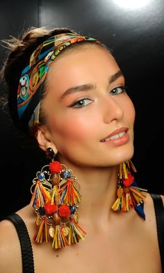 hippie, bohemian, boho. Navajo, Aztek, colourful, Dolce & Gabbana Spring Summer 2013. Big tribal earings, head scarf.