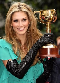 Delta Goodrem wearing zipped leather opera gloves at the Melbourne Cup Parade. Melbourne Cup Fashion, Elegant Gloves, Gloves Fashion, Long Gloves, Women's Gloves, Black Leather Gloves, Outdoor Fashion, Victoria Justice, Famous Women