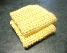 A free pattern for a no-fuss--no-muss dishcloth for everyday use.
