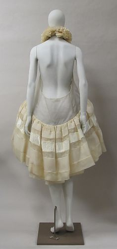 DressDress Design House: House of Balenciaga (French, founded 1937) Designer: Nicolas Ghesquière (French, born 1971) Date: spring/summer 2006