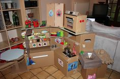 play pretend cardboard kitchen