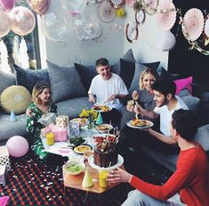 Superstar vlogger Zoella, real name Zoe Sugg, offered fans a look inside the Brighton home she shares with boyfriend Alfie Deyes, a fellow vlogger, Teenager Birthday, Girl Birthday, Birthday Ideas, Zoella Birthday, Craft Party, Diy Party, Party Ideas, Pointless Blog, Rooftop Party