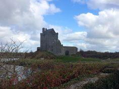 Dunguaire Castle, Ireland Monument Valley, Ireland, Castle, Places, Nature, Travel, Naturaleza, Viajes, Irish