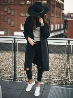 jeans-rotos-increibles casual fall outfit, winter outfit, style, outfit inspiration, millennial fashion, street style, boho, vintage, grunge, casual, indie, urban, hipster, minimalist, dresses, tops, blouses, pants, jeans, denim, jewelry, accessories