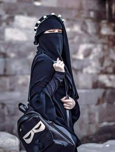 Arab Girls Hijab, Muslim Girls, Muslim Couples, Hijab Niqab, Muslim Hijab, Hijabi Girl, Girl Hijab, Niqab Fashion, Muslim Fashion