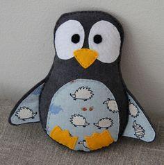 Grey penguin with hedgehogs #penguin #felt #DIY