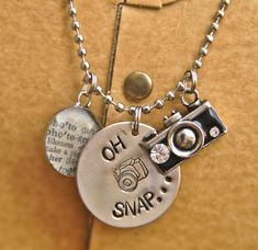 Oh Snap Photography Necklace - Photographer Diy Jewelry, Jewelery, Jewelry Accessories, Jewelry Making, Stamped Jewelry, Jewelry Ideas, Snap Photography, Photography Gifts, Cute Camera