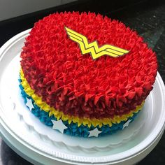Cupcakes for kids girls cake pop Ideas Girl Cupcakes, Fun Cupcakes, Birthday Cupcakes, Decoration Cupcakes, Wonder Woman Birthday Cake, Wonder Woman Cake, Birthday Cake Decorating, Cake Decorating Tips, Cupcake Cake Designs