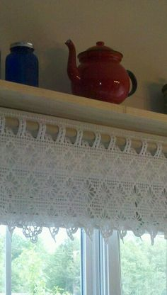 Lace with shelf Crochet Boarders, Crochet Stitches Patterns, Thread Crochet, Filet Crochet, Knit Crochet, Crochet Curtain Pattern, Crochet Curtains, Curtain Patterns, Crochet Placemats