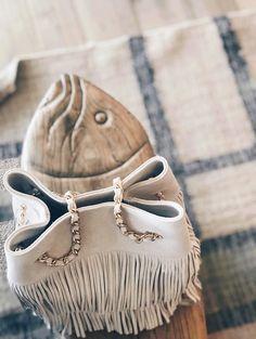 Pampelonne et ses émotions, un été à Cabane Bambou.  #sainttropez #frenchdesigner #saccuir #sainttropez #frenchriviera #saccuir #madeinfrance Monokini, Moccasins, Summer Time, Creations, Flats, Shoes, Fashion, Pom Poms, Bucket Bag