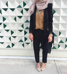 Style hijab inspiration- photo by @hijabiheroes on Instagram