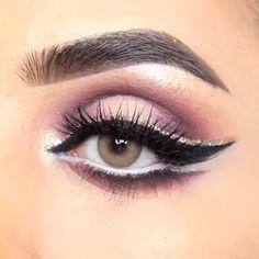 makeup eyeshadow makeup hashtag makeup application makeup q tips makeup looks natural wear eye makeup makeup and contacts makeup looks natural Day Makeup, Eye Makeup Tips, Makeup Tricks, Smokey Eye Makeup, Makeup Inspo, Eyeshadow Makeup, Beauty Makeup, Makeup Style, Makeup Ideas