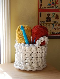 CROCHETED ROPE BASKET