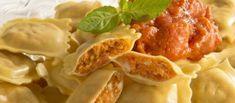 ravioli met zongedroogde tomaten, basilicum en mozzarella