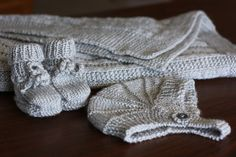 SewChic: Knitting for Babies Crochet Books, Thread Crochet, Knit Or Crochet, Baby Blanket Crochet, Crochet Baby, Knitted Baby, Knitting For Kids, Easy Knitting, Knitting Patterns