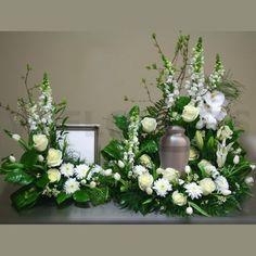 flower arrangement for funeral Arrangements Funéraires, Funeral Floral Arrangements, Funeral Sprays, Funeral Urns, Church Flowers, Funeral Flowers, Casket Flowers, Get Well Flowers, Funeral Planning