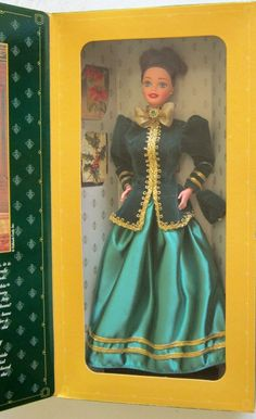 1996 Yuletide Romance Barbie Hallmark Special Edition - A Rare, Sealed collectible! Different Styles, Fashion Dolls, Snow White, Barbie, Romance, Boutique, Disney Princess, Disney Characters, Holiday
