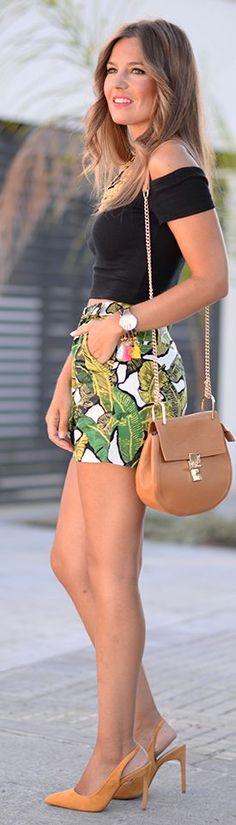 Black Crop Top Palm Print Shorts by Mi Aventura Con La Moda