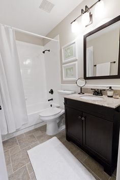 I love the clean lines in this bathroom. It would never stay so beautiful in my house though...