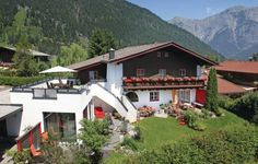 Apartment Euring III Saalfelden Situated in Saalfelden am Steinernen Meer, this apartment features free WiFi. The unit is 2.8 km from Biberg Bahn. Free private parking is available on site.  The kitchenette is fitted with a fridge. A TV is featured.