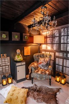 5-ESSENTIALS-perfect-cabin-in-woods-summerhouse Wood Wallpaper, Wallpaper Ideas, Green Lounge, Tongue And Groove Ceiling, Building A Cabin, Dark Blue Living Room, Interior Styling, Interior Design, Pergola Canopy