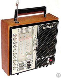 Radio Vintage, Antique Radio, Vintage Tv, Radios, Radio Record Player, Record Players, Tvs, Le Radio, Retro