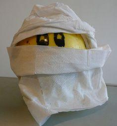 Mummify an apple!
