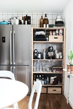 Make everything easy to find in the kitchen with open storage | #IKEAIDEAS #kitchens
