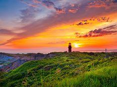 Lighthouse in Martha's Vineyard at Sunrise #Landscapes #Nature - Kozzi Creative Blog - http://kozzi.tv/XXv0I