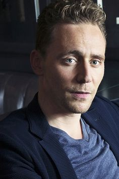 Tom Hiddleston photographed by Victoria Will at the 2015 Toronto International Film Festival on September 12, 2015. Full size image [UHQ]: http://ww1.sinaimg.cn/large/6e14d388gw1ew16nmrftcj22bc1jkqv8.jpg Source: Torrilla