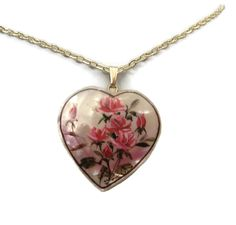 Vintage 14K Hand Painted MOP Heart Pendant from Hawaii $35 #14K #gold #pendant #mop #roses #heart #vintage #jewelry #hawaii