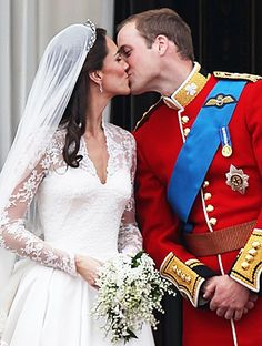 Prince William and Kate Middleton a Royal wedding and more celebrity couple liplocks.