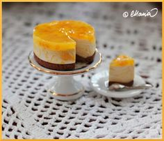 Tässä ohjetta juustokakun valmistamiseen. Käytä muotin valmistamiseen silikonipohjaista muottiainetta. Ota pieni pala kumpaakin...